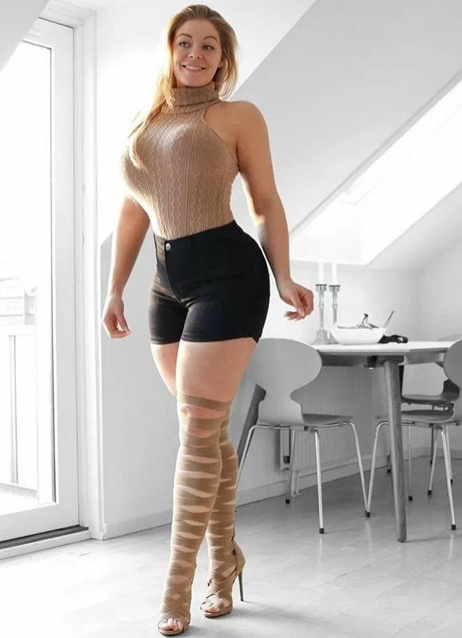Nude tight women curvy — pic 15