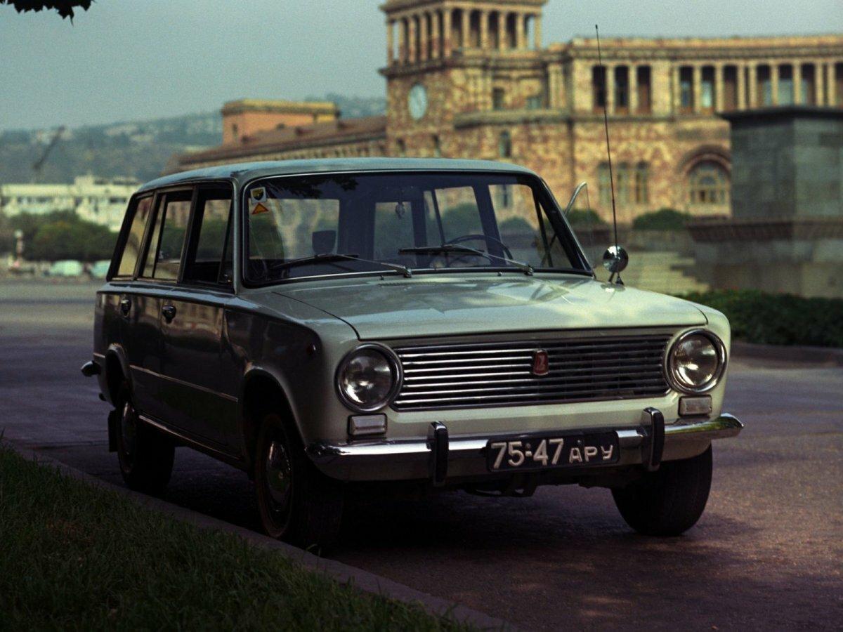 вопрос фото все российские авто собраны фотографии
