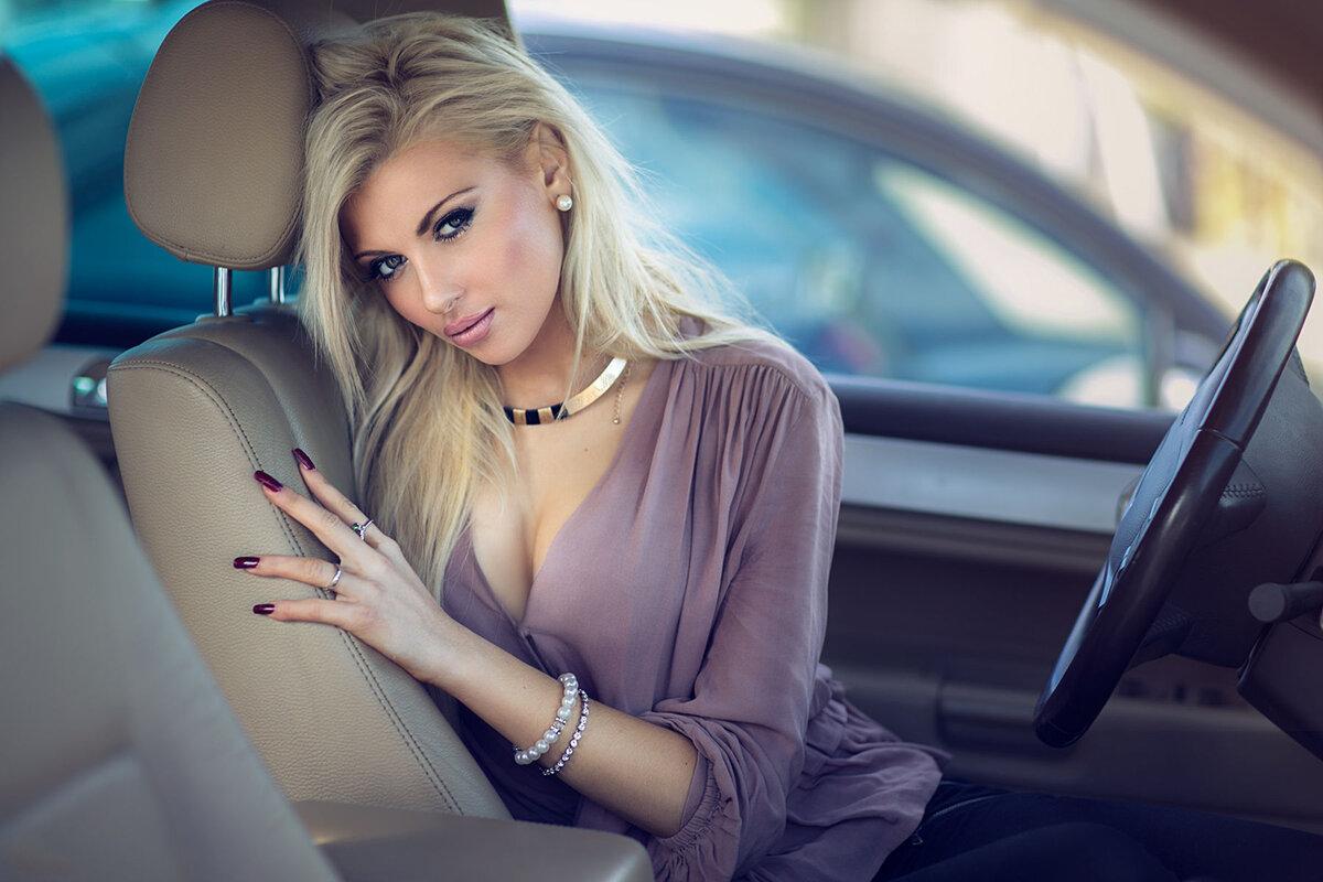 Картинки блондинок на авто