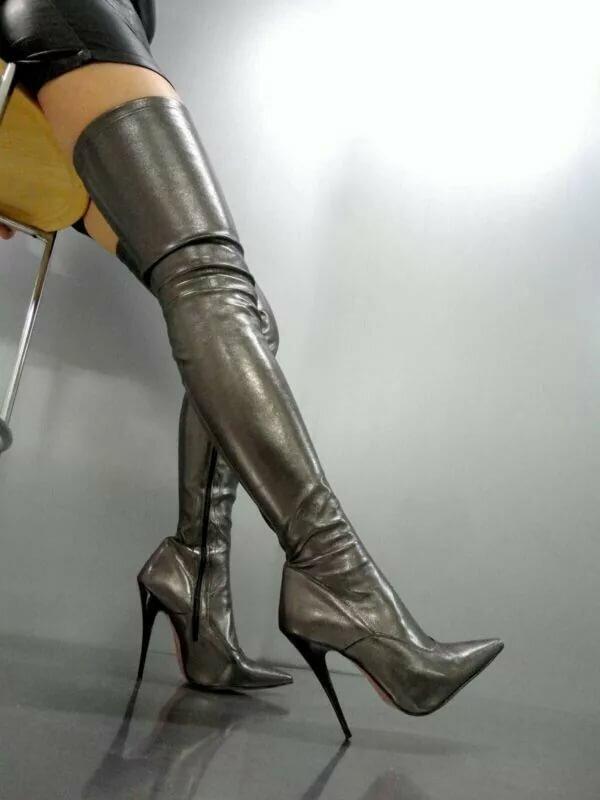 Ножки в сапожках фетиш, домашний кремпай в анал
