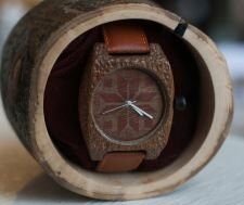 Часы из дерева Uwood + очки Uwood в подарок. Деревянные часы , цена 60, —  (ID#)  Сайт производителя... ❤️️ http://bit.ly/31KeTe3      Каждый уважающий себя мужчина должен носить эти Часы!. Будьте первым, кто оставил отзыв на Часы из дерева  и очки  в подарок Отменить ответ. Итак, деревянные наручные часы бывают 3-х видов Она придаст еще больше ценности и индивидуальности вашему подарку. Обзор и разборка часов в деревянном корпусе и с деревянным же ремешком. Часы Из Дерева  С Деревянным Ремешком Женские Вручение наград УВУД БГУЭП Архив: Часы из дерева  и очки  в подарок: 34  тг. Деревянные Часы  Купить В Минске В Интернет-магазине Купить Деревянные Часы в интернет-магазине Алиэкспресс