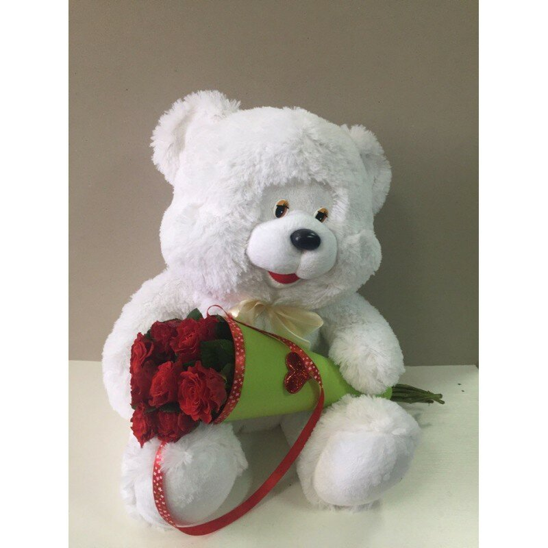 Медведь с розами картинка