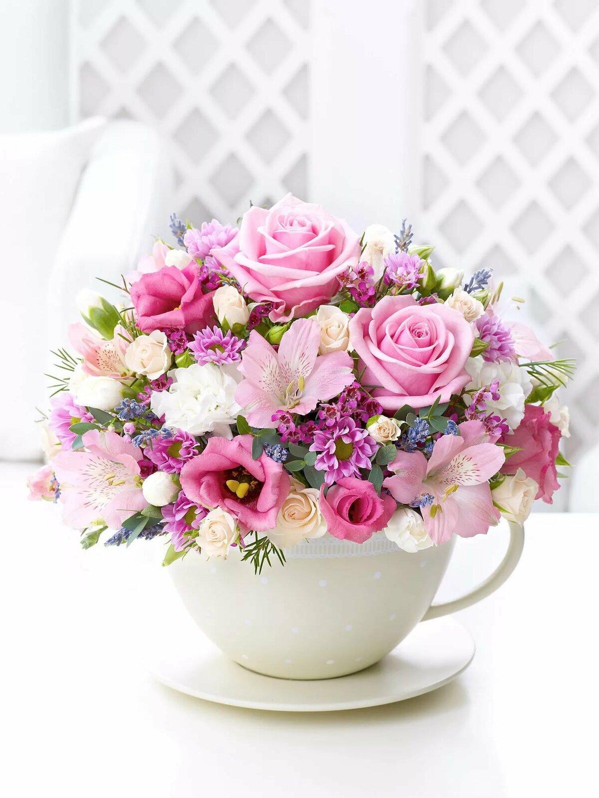 Картинка с цветами женщине
