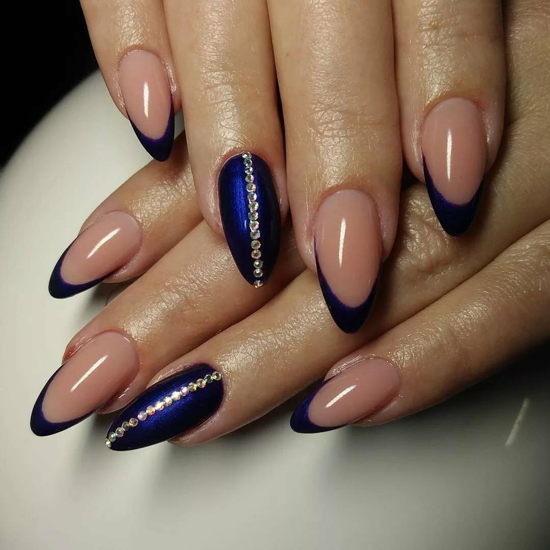 обратный френч на миндалевидных ногтях фото этот дефект