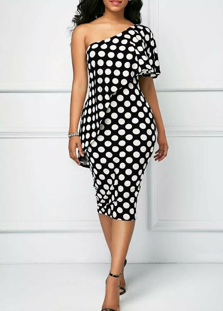 можете постирать модные платья в горошек фото иллюстрация