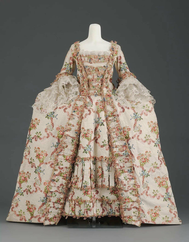 этот, платье рококо картинки фолликула яичника