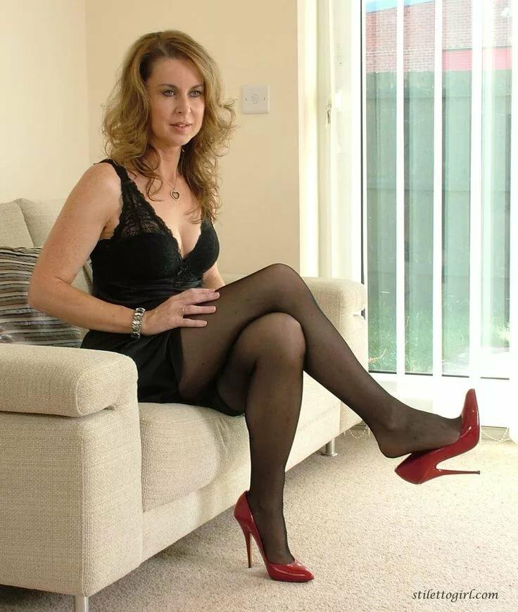 Фото зрелых онлайн, проститутки гоа порно видео