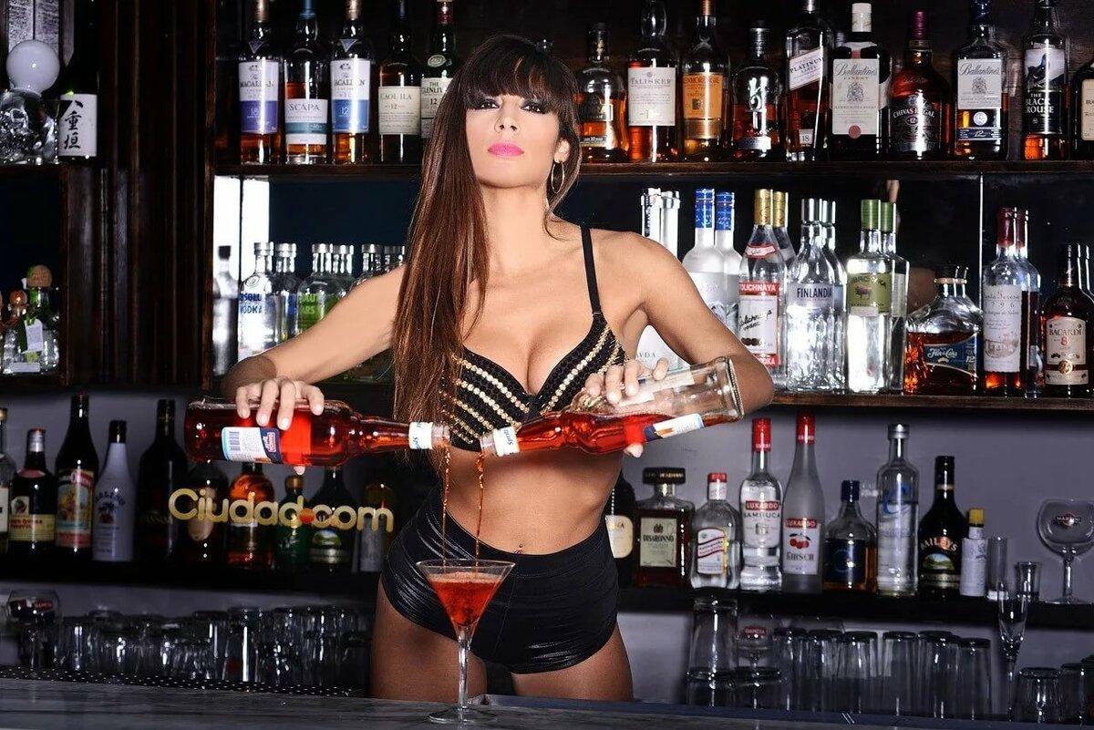 Картинки девушки бармены