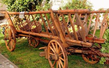 фото деревянных повозок