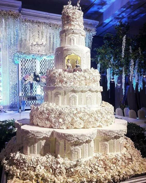 Показать картинки самых красивых тортов мира