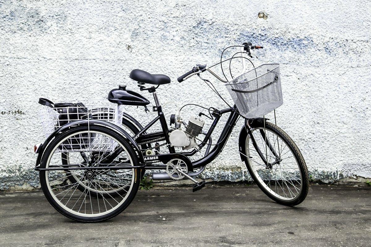 Трёхколёсный мотовелосипед