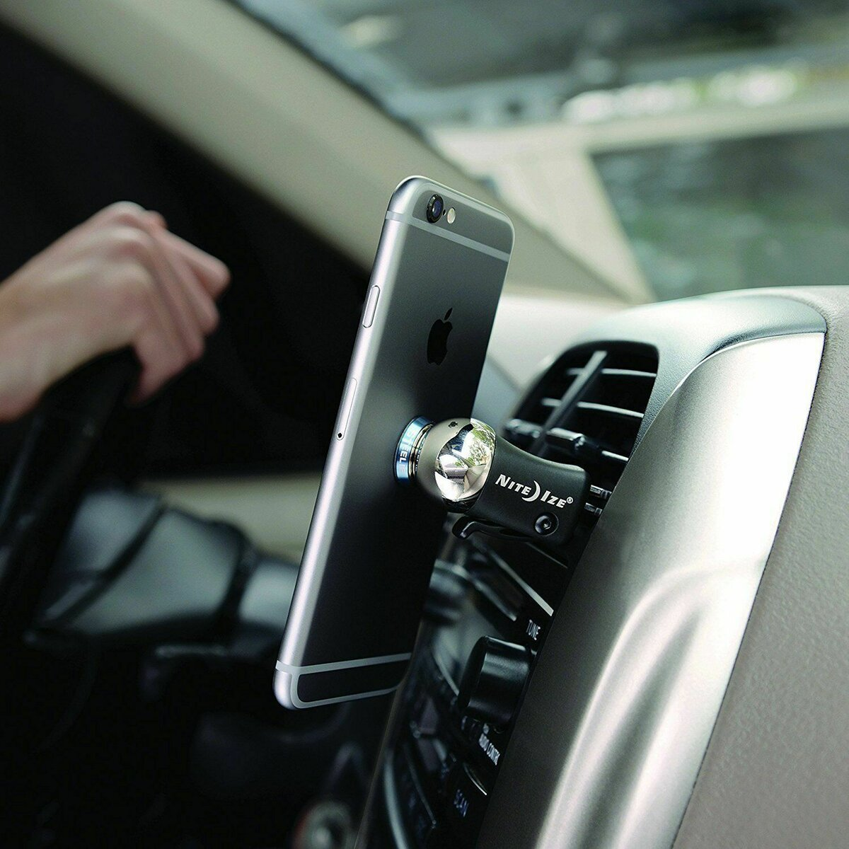 Smartmount Car - держатель для смартфонов и планшетов в Новошахтинске