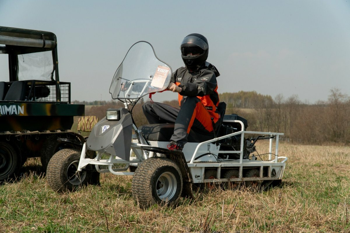 Мотобуксировщик Бурлак-М Экспедитор RP с колёсным модулем
