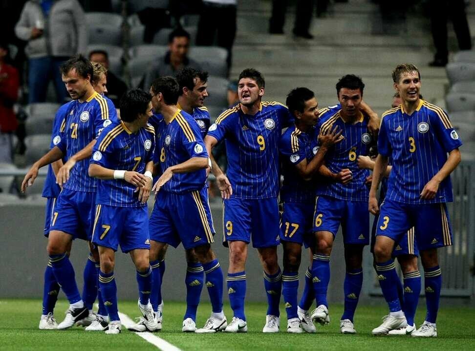 Кота надписью, картинки казахстанских футболистов