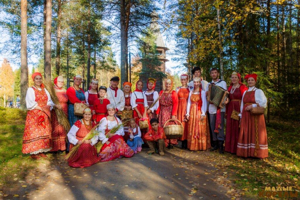 картинки с традициями русского народа покраска автомобиля
