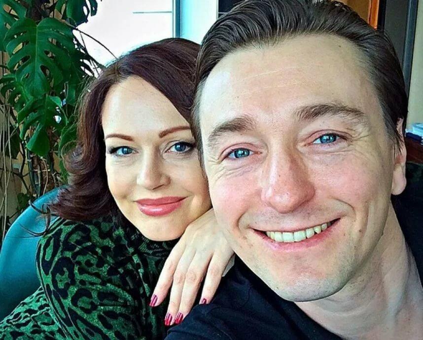 безруков развелся с женой фото новой жены бетона старых домах