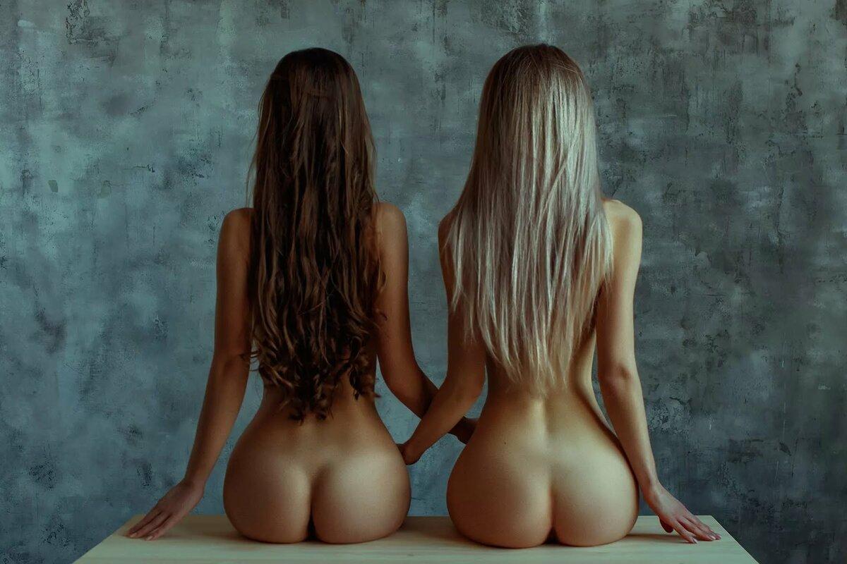 golaya-spina-pornofoto