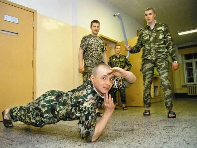 для картинки как дела у солдата яркая красивая бирюза