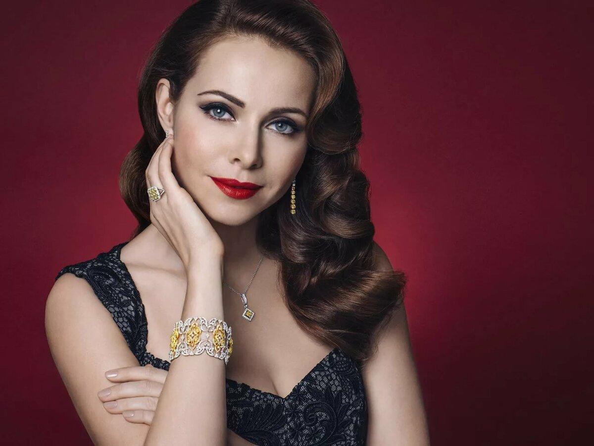 foto-znamenitih-aktris-rossii-domashnie-russkoe-video-lizhut-popi-devushkam