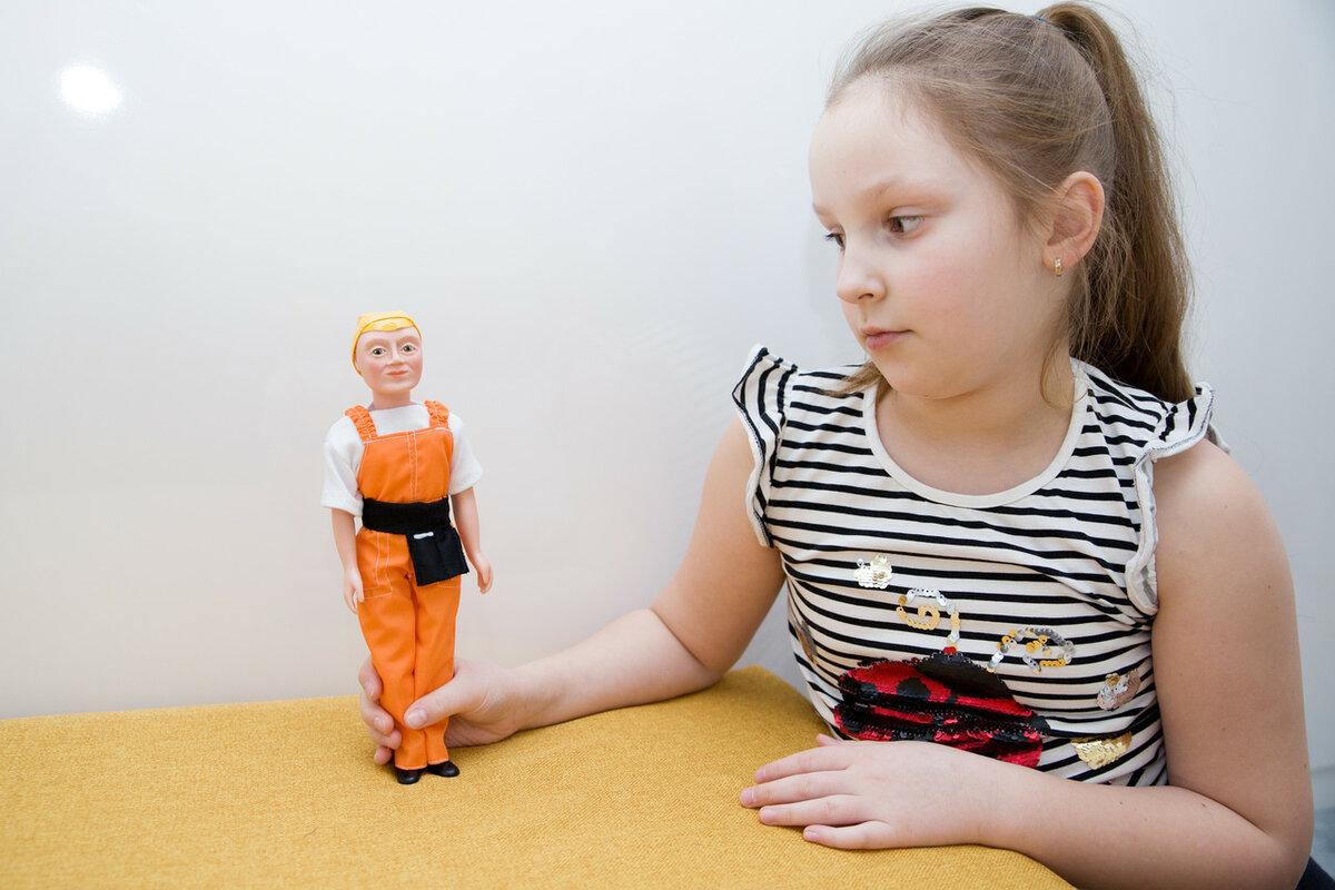 Куклы по профессиям. Кукла строитель Дима.