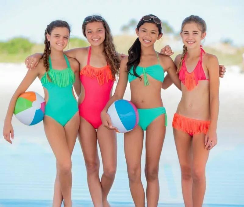 teen-girls-swimming