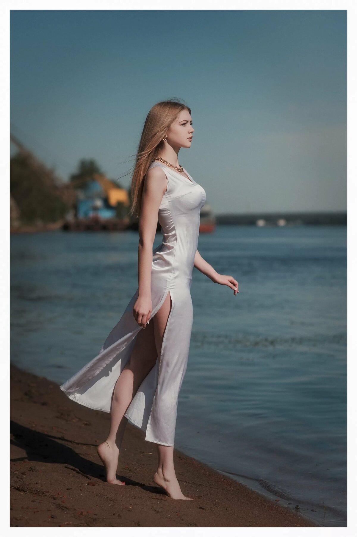 фото красивых девушек в легком платье - 13