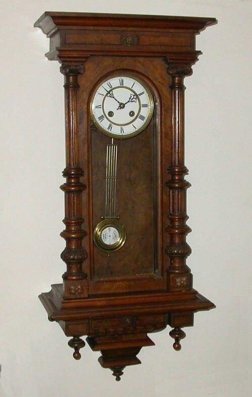 Часы настенные старинные картинка