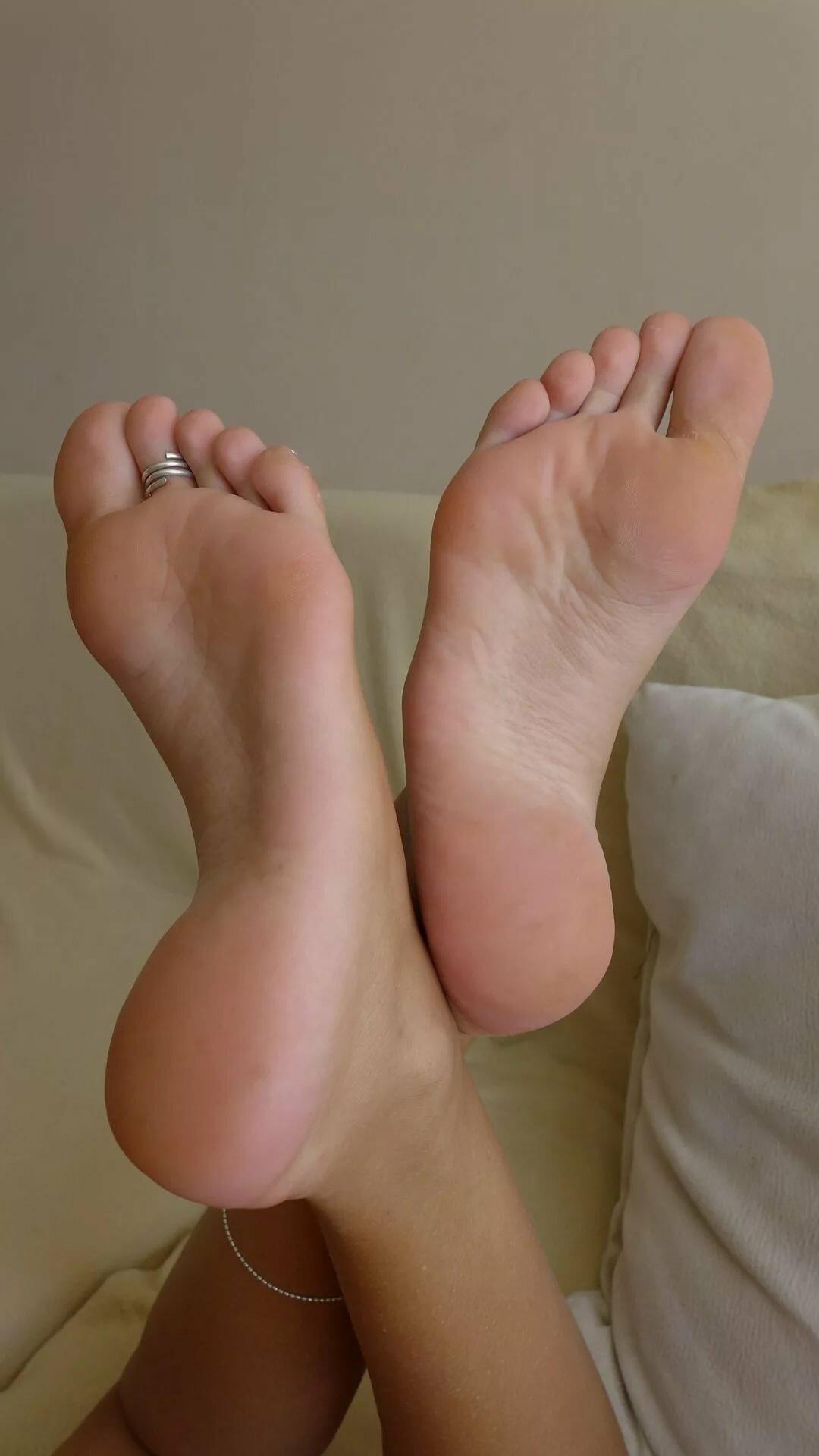 Female feet sexy, show what girl boobs loke like