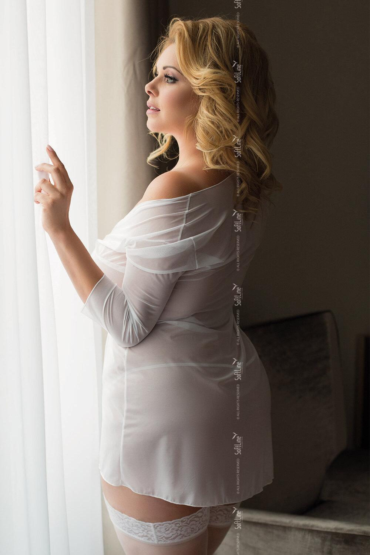 батюшка сампсон, жена в белых прозрачных платьях чтобы
