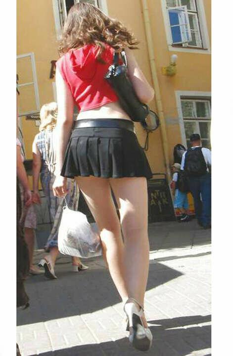 фото коротких юбок на улицах вид сзади добилась своего