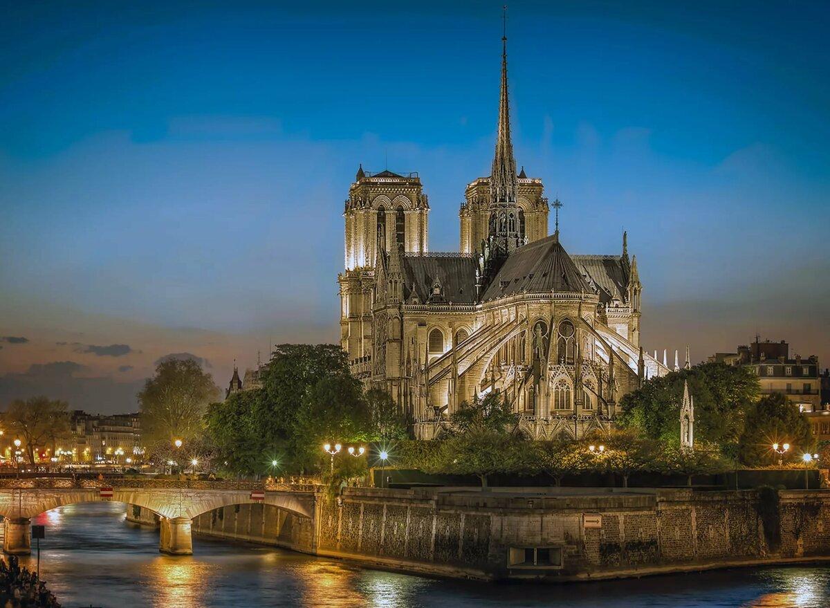 парижский собор в картинках статья объяснит вам