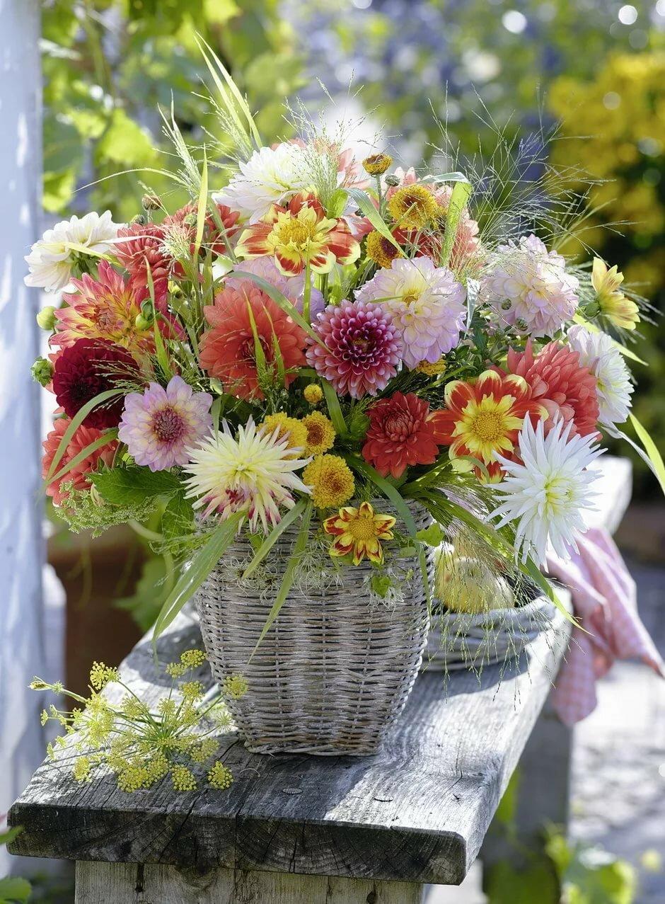 Открытки с осенними цветами с днем рождения женщине, пятницы картинки надписью