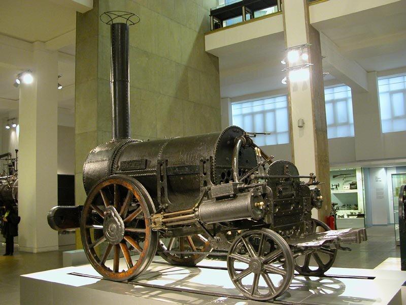 15 сентября 1830 года состоялась церемония открытия первой междугородней железнодорожной линии на паровой тяге