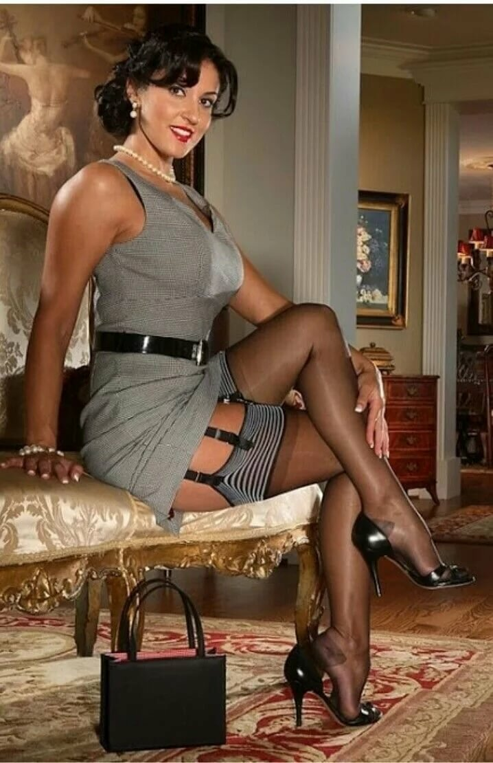 latina-stockings-thumbs-butts-naked