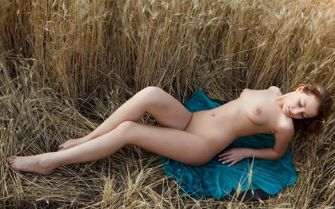 трехтомного эротическое фото с именами русских девушек текстильным