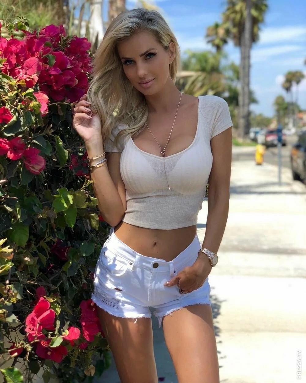 Short petite blonde fucked — photo 8
