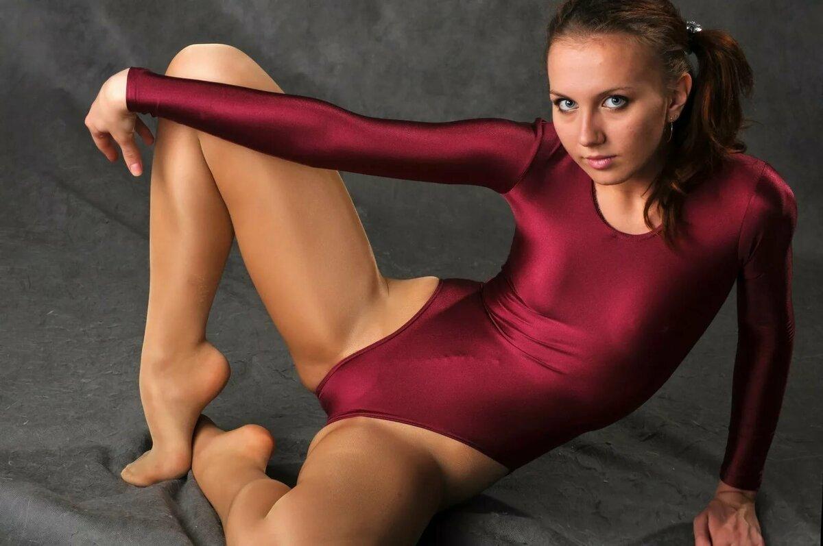 машка девушки в гимнастических купальниках и колготках фото эпоха