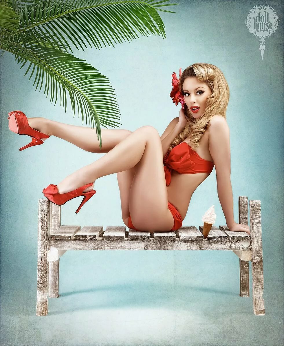 sexy-blonde-pinup