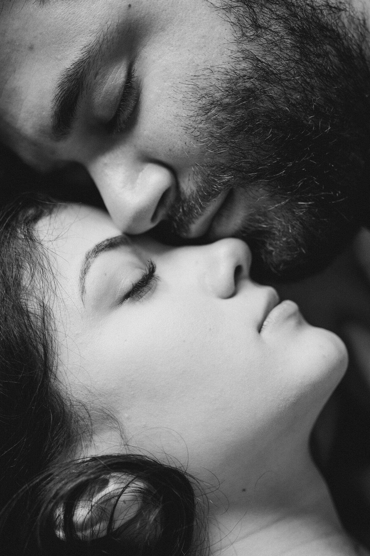 Влюбленные пары страсть картинки