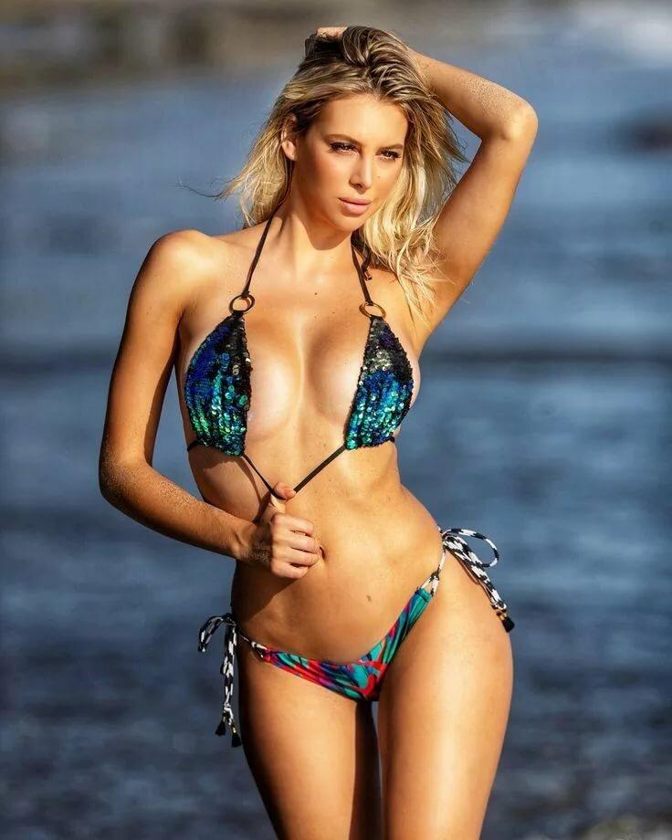 devushki-v-bikini-i-bez-foto