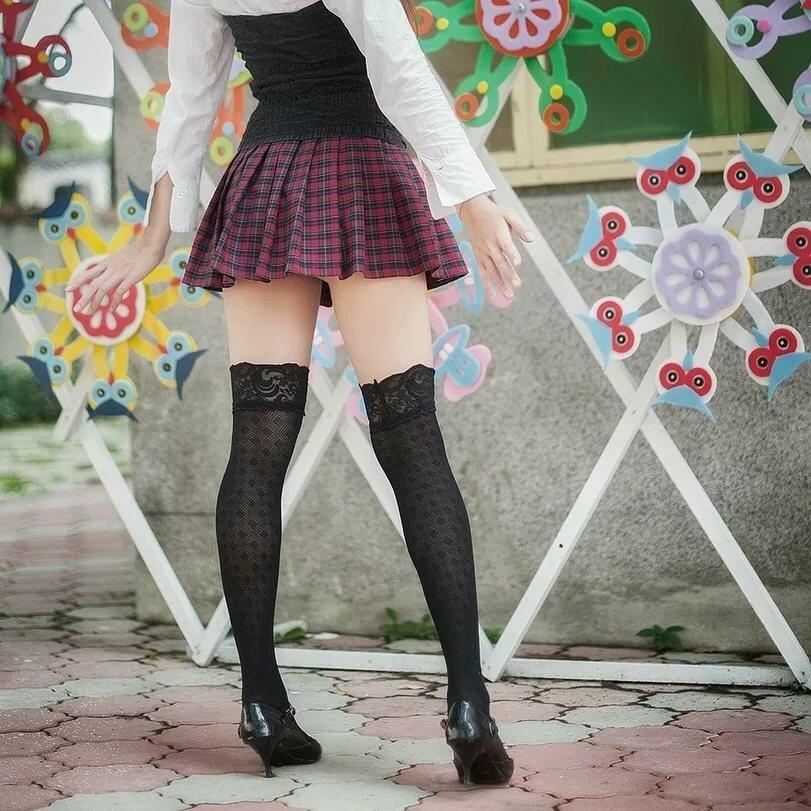 Наташа метро юбочки и чулочки фото шикарными красотками женщина