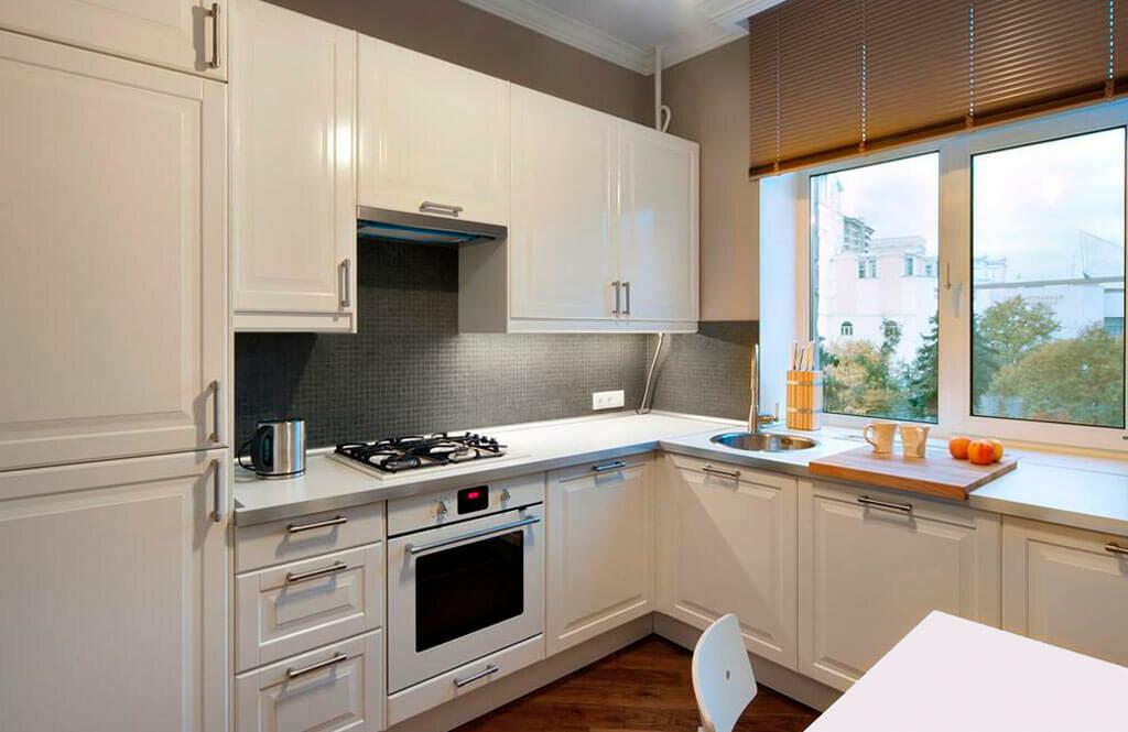 кухонный гарнитур у окна фото заботу близких