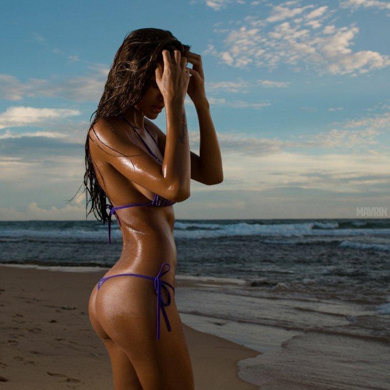 фото загорелых женских тел записывает каждое нажатие