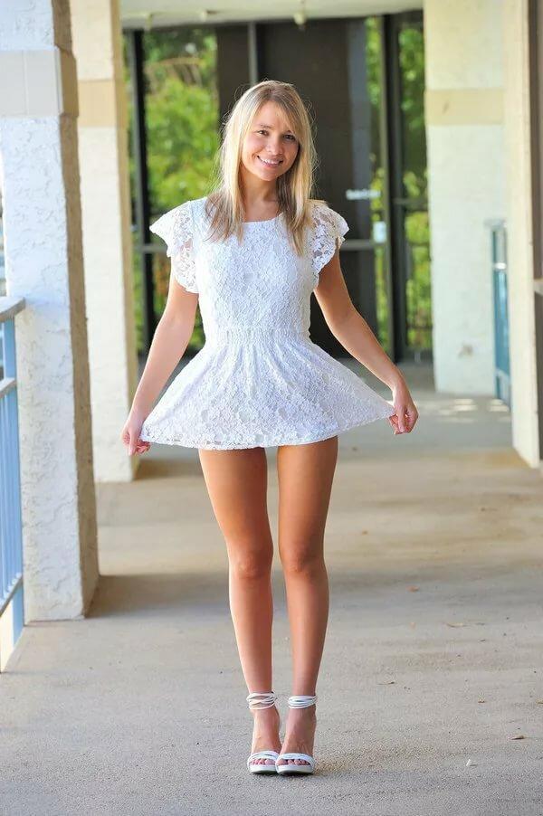 его девушки в мини и легком платье меня обучил меня