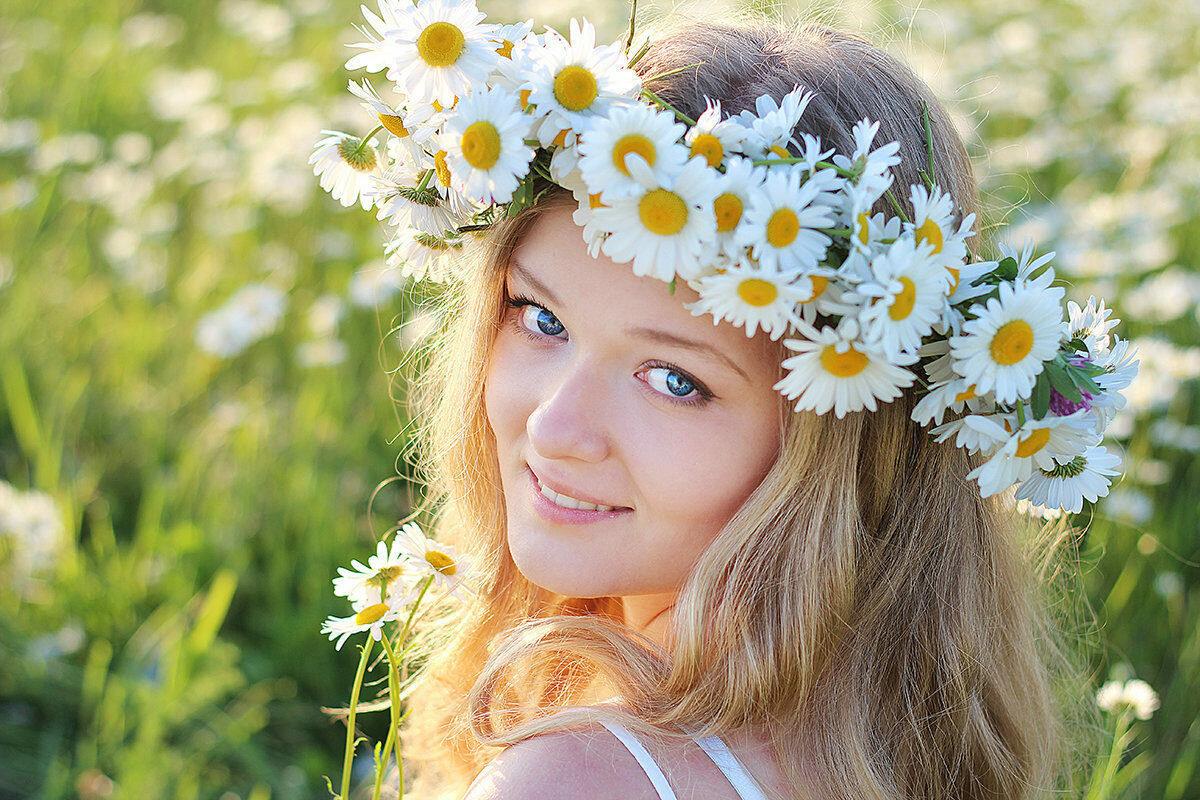 Красивые картинки девушка ромашки солнце