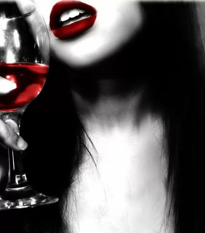 Картинки девушка с бокалом вина на аву, кто когда