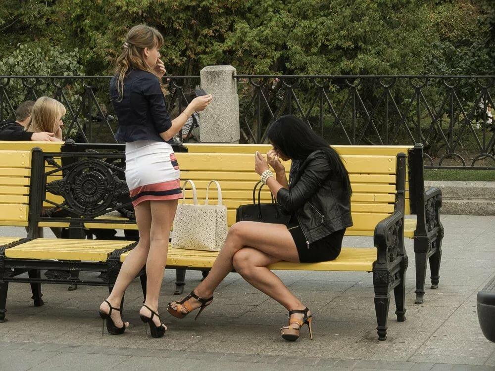Девка дала на улице