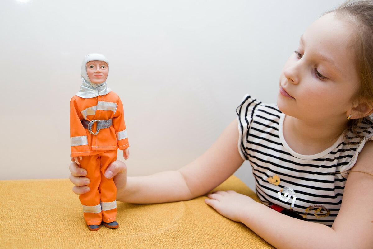 Куклы по профессиям. Кукла спасатель Дима.