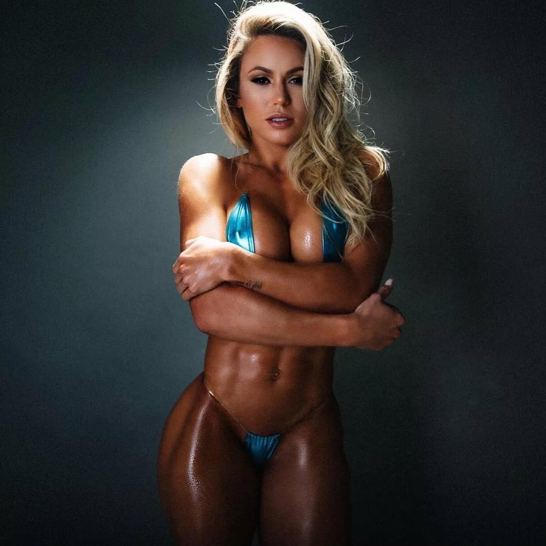 hot-nud-fitness-women-bikini