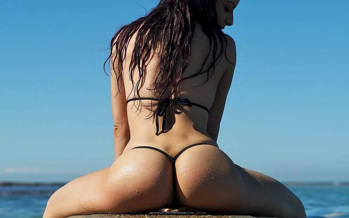 картинки девушек в стрингах на море порно